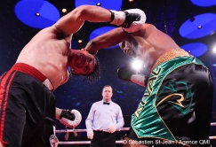 Gala de boxe du Groupe GYM, au Casino de Montréal, à Montréal, Québec, Canada, le jeudi 30 mars 2017. Sur cette photo: Shakeel Phinn (culotte noire et verte) vs Josue Aguilar (culotte noire et rouge) SÉBASTIEN ST-JEAN/AGENCE QMI